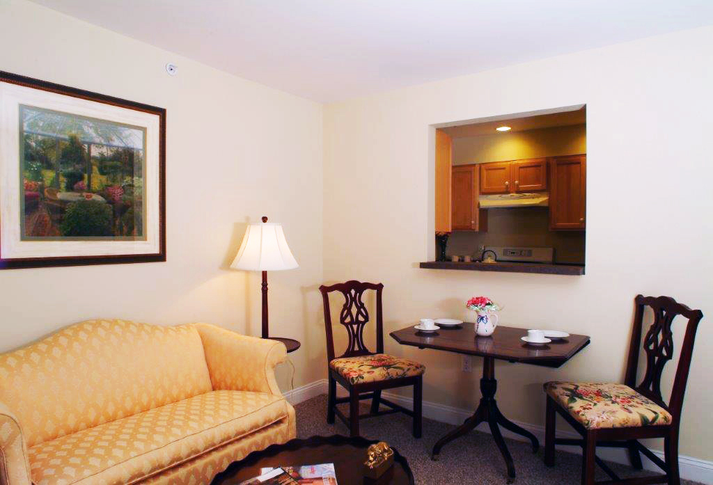 Chestnut Hollow │ Senior Living Needham